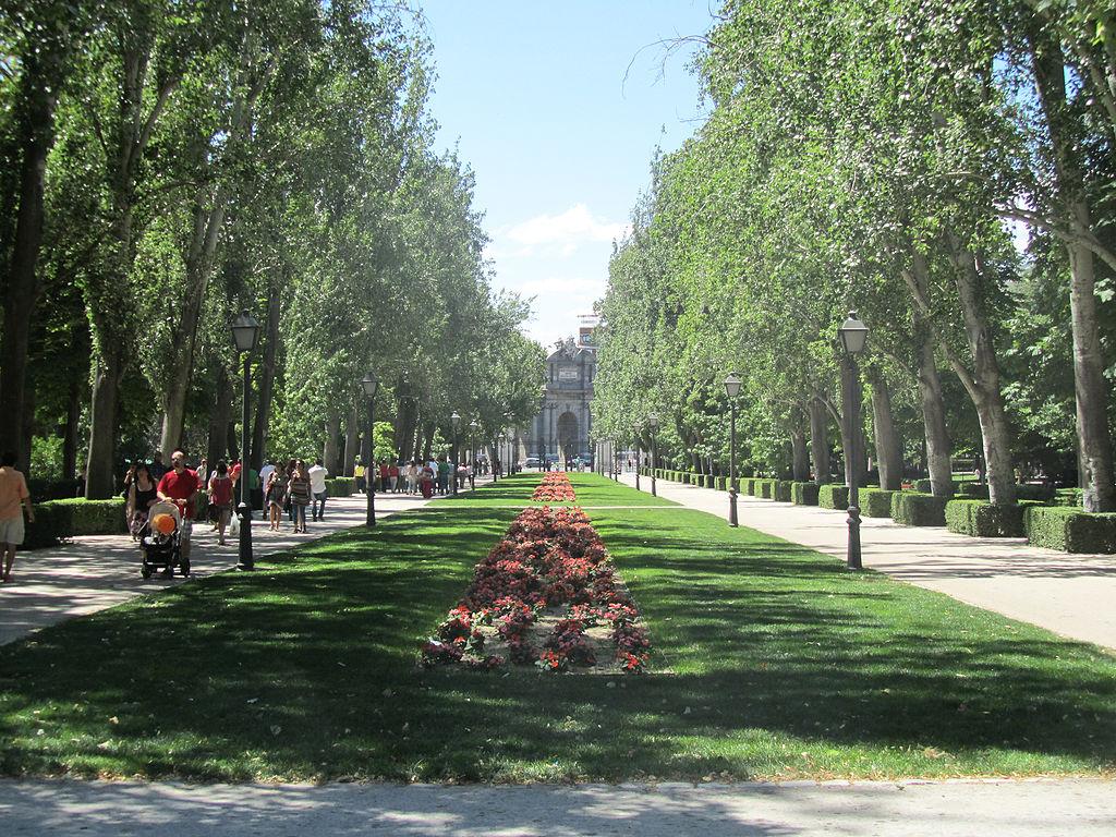 1024px-Avenida_de_mejico_parque_del_buen_retiro