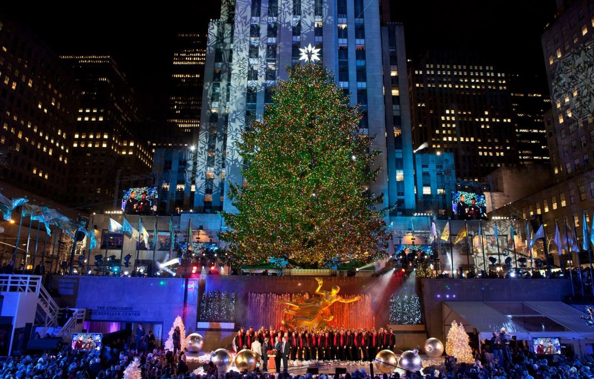 Rockefeller Center Christmas Tree – An American Tradition