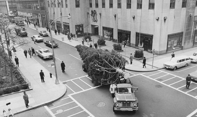 Rockefeller-Center-Christmas-Tree-Transport.jpg