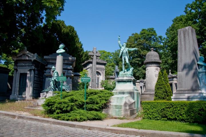 Pere Lachaise cemetery paris garden trees.jpg